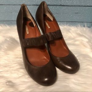 Max Studio Brown Leather Mary Jane heels size 9
